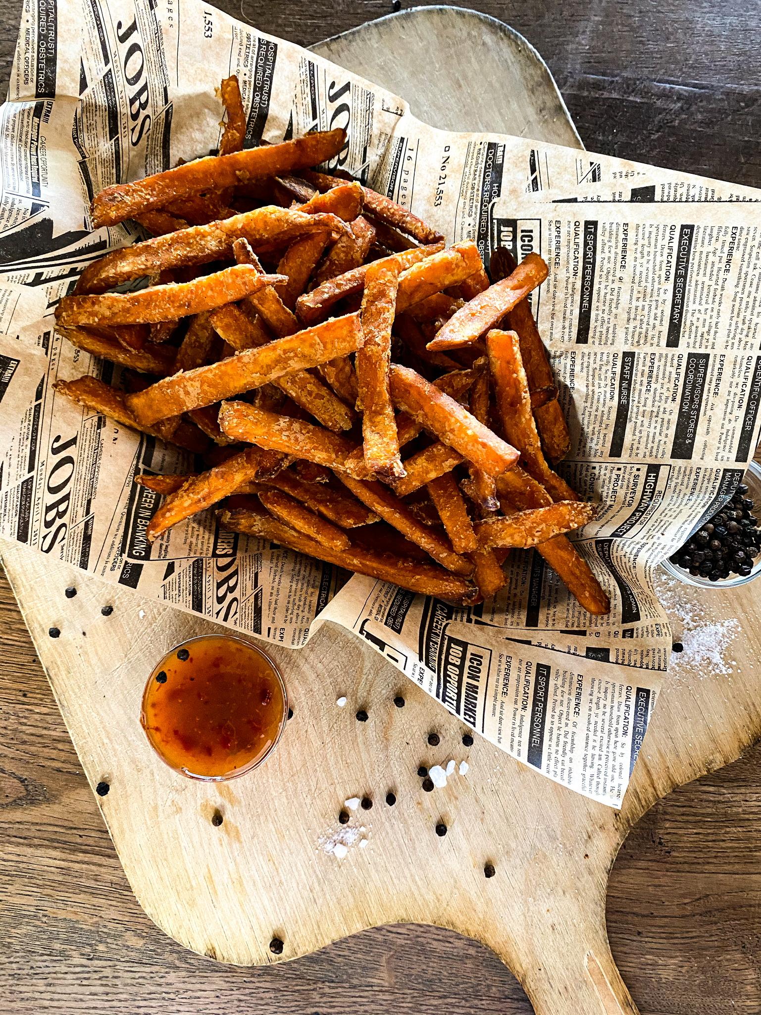 Große Portion Sweet Potatoe Fries